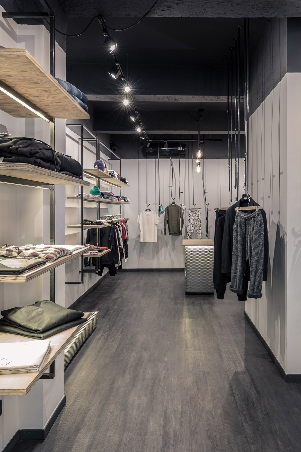 FDA_Criff92_Streetwear_Terracina_Retail_08